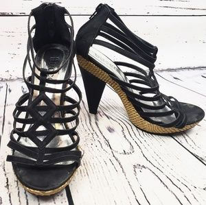 Bucco Heels with Black Straps with Wooven Straw